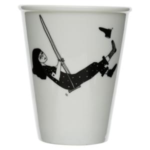 cup swinging erica2 2b628e01 5114 459f 9094 a6707d039da5 394x